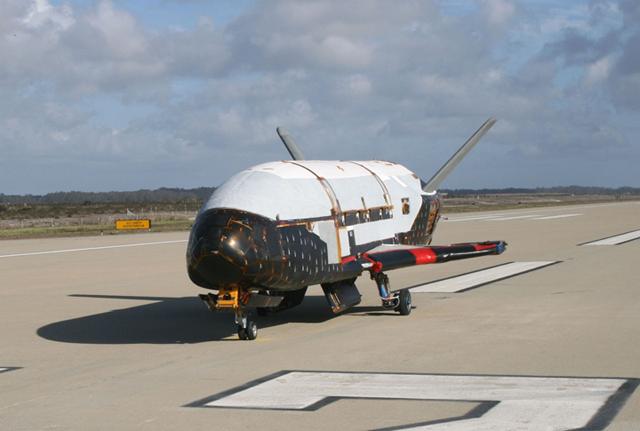 宇宙ミッション、X-37B宇宙船、秘密任務のため5月発射