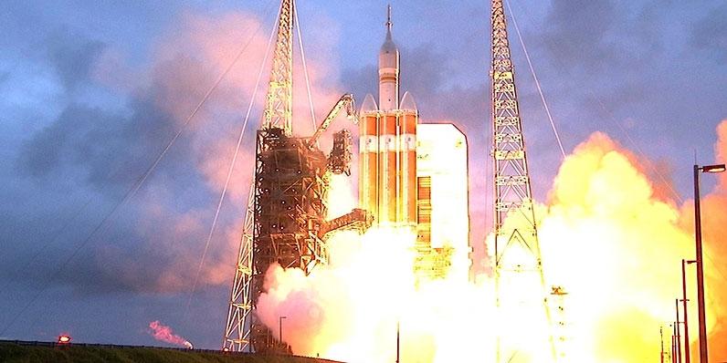 NASAオリオンorion試験機打ち上げ成功